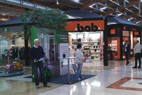 Soluvent presenta en el Centro Comercial Artea sus nuevas ventanas de PVC