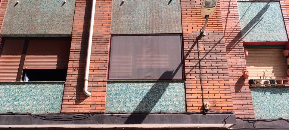fachada-ventana-mosquitera