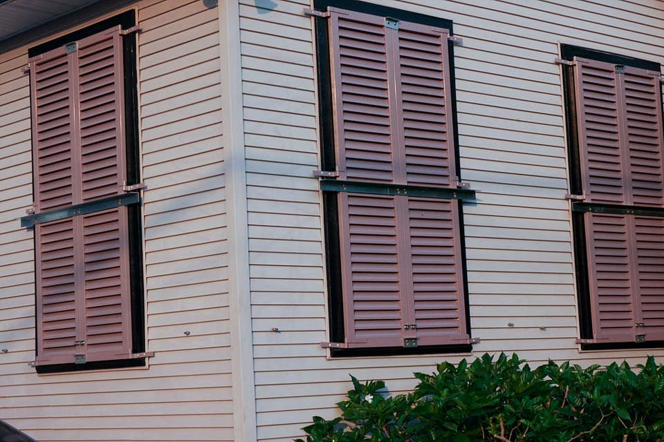 ventana anti huracanes bizkaia