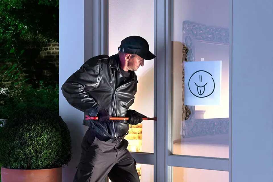 Elige vidrios de seguridad para prevenir robos y lesiones